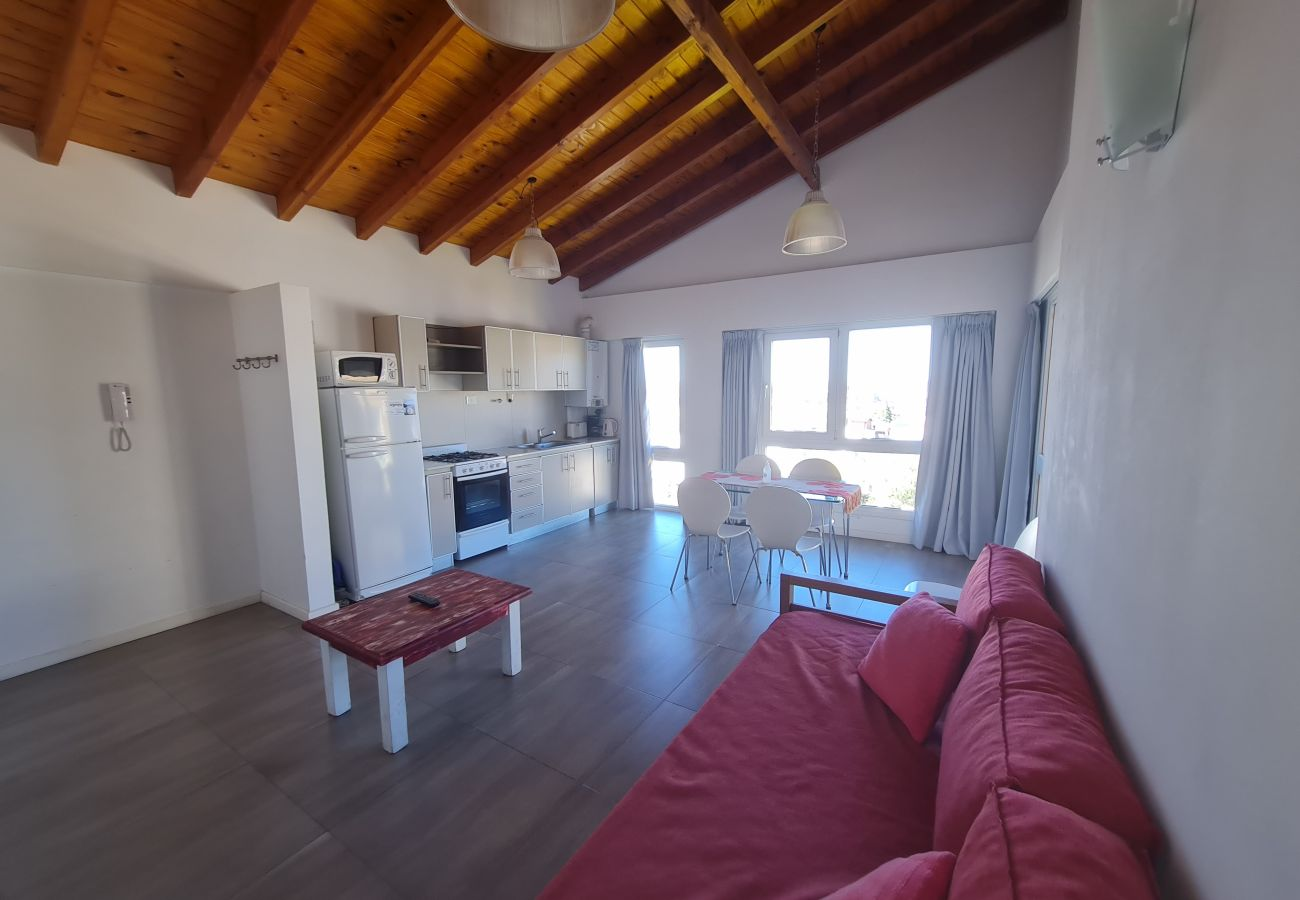 Apartamento en San Carlos de Bariloche - Gaia, con vista al lago y estacionamiento