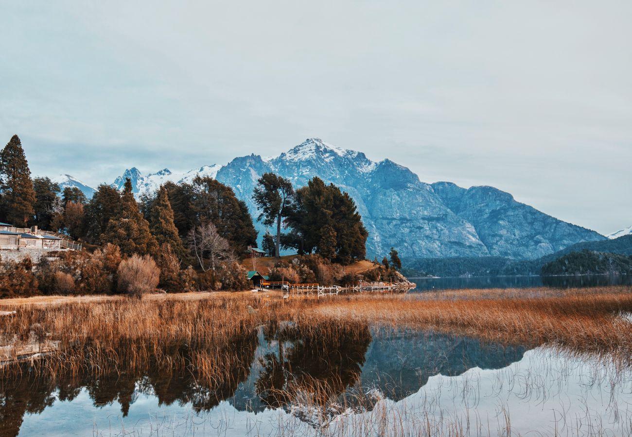 Apartamento en San Carlos de Bariloche - Doriasa, con vista al lago y estacionamiento