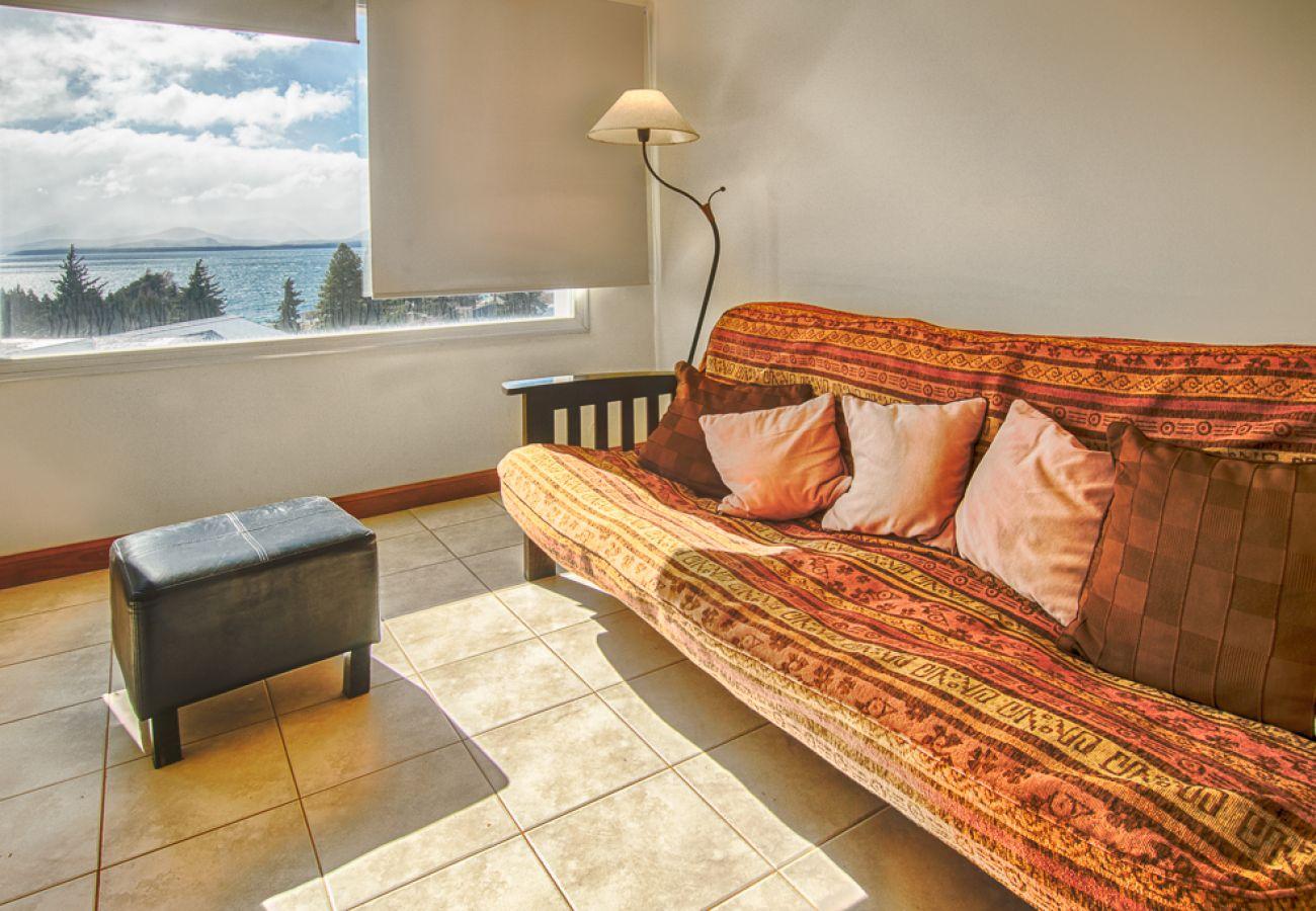 Apartamento en San Carlos de Bariloche - Dto. Notro en pleno centro con estacionamiento.