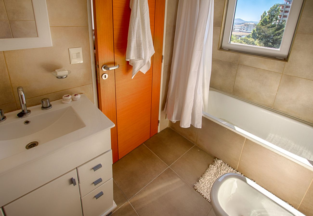 Apartamento en San Carlos de Bariloche - Dto. Periscopio con una imponente vista al lago