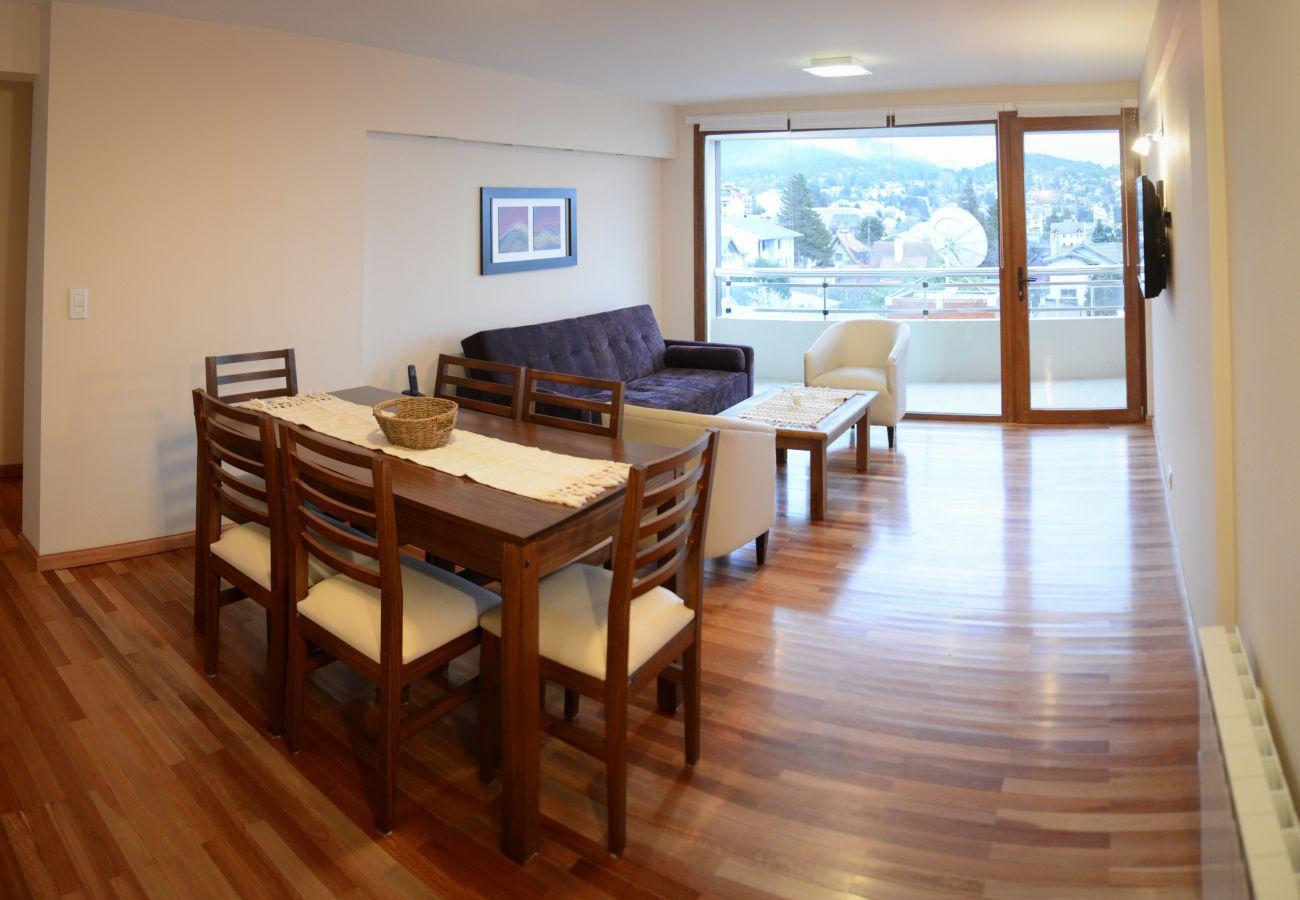 Apartamento en San Carlos de Bariloche - Mapapa, con vista al lago y estacionamiento