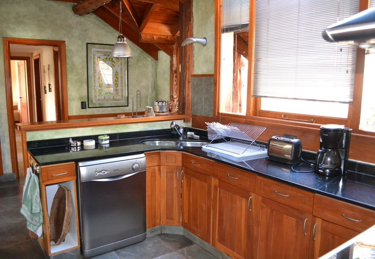 Casa en San Carlos de Bariloche - Casa sobre el lago para 16 personas UF2