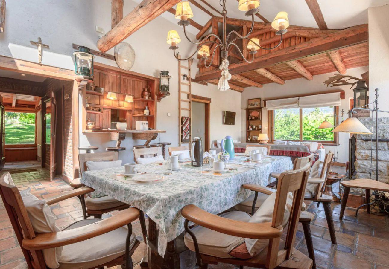Casa en San Carlos de Bariloche - Casa Entre Lagos sobre la costa del Lago