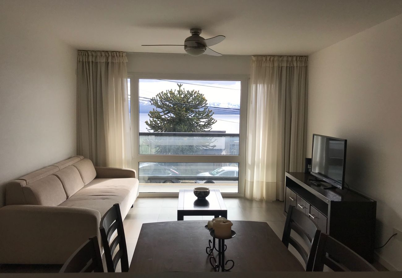 Apartamento en San Carlos de Bariloche - Dto Araucaria con espectacular vista al lago